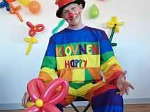 Klovnen fra Aalborg - der også kan trylle, jonglere og spille på ukulele
