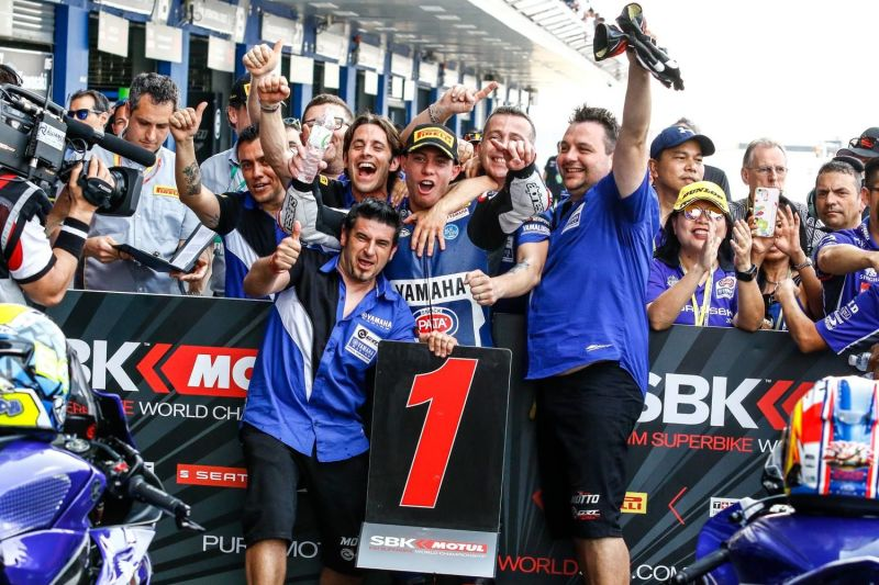 Caricasulo and the all-new YZF-R6 Lead a Yamaha 123 in Thailand