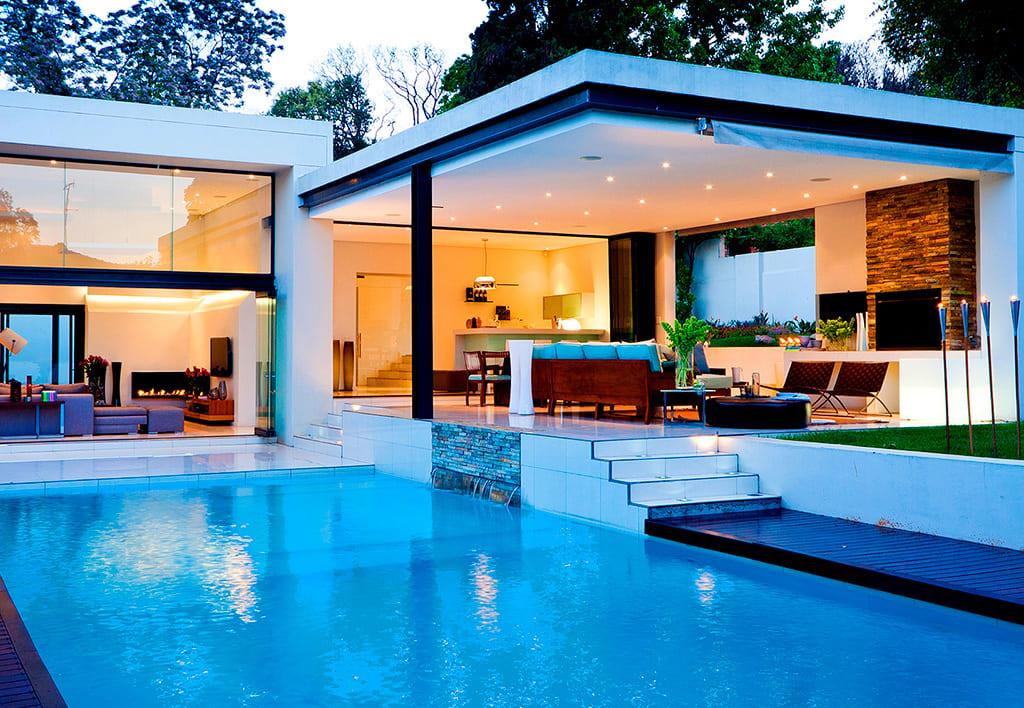 Ventajas y desventajas de tener piscina en nuestro hogar