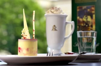 media/image/FR_Restaurant_Toertchen_WeisseSinfonie_RGBdscIauHiWlzFTIoS4DDmhkXV1E.png