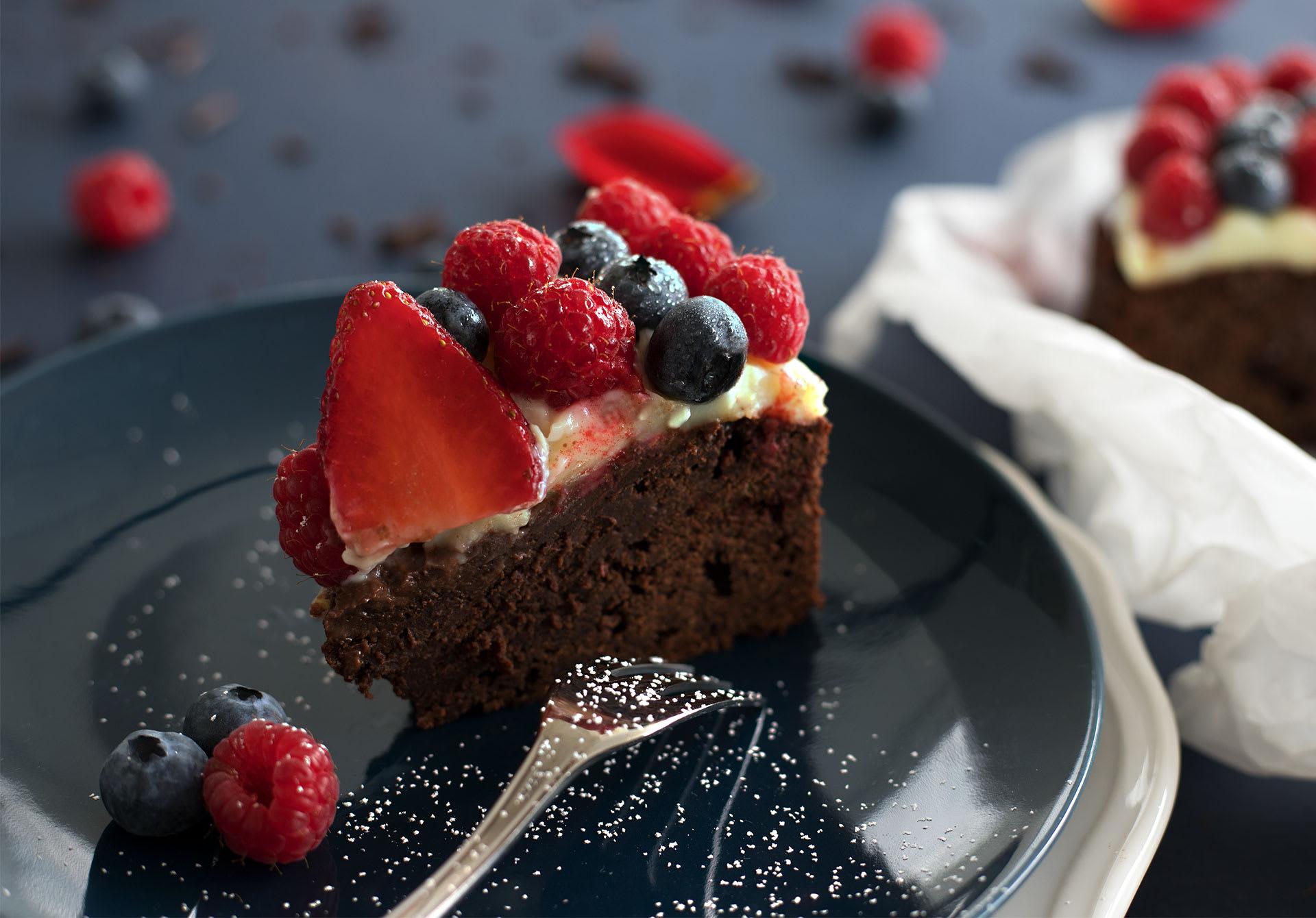 180506-Schokoladenkuchen-Muttertagsherz-Detail5aec280bc559d
