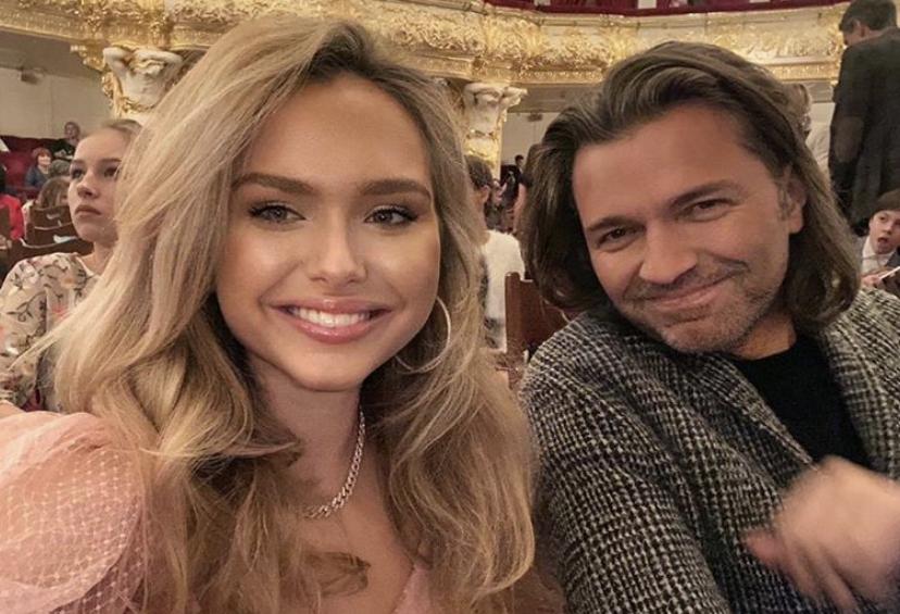 Прямой эфир PEOPLETALK: в гостях Дмитрий и Стеша Маликовы