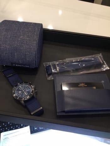 宝石広場 新橋買取りショップにてお買取りさせて頂きました♪ ブライトリング スーパーオーシャンヘリテージ44 アウターノウン リサイクル素材で作られたブルーストラップ、時計の箱もリサイクル素材で作られているそうです ブルーダイヤがキレイすぎて欲しくなりました。 https://t.co/GbdTqAs3nV