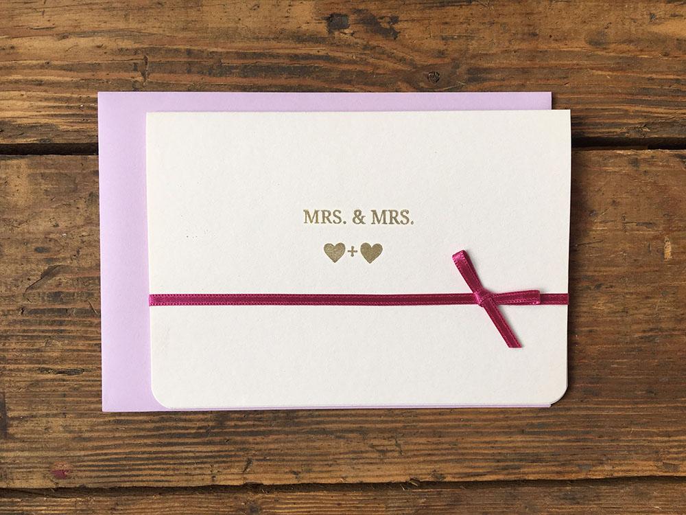 Glückwunschkarte zur lesbischen Hochzeit - Mrs & Mrs