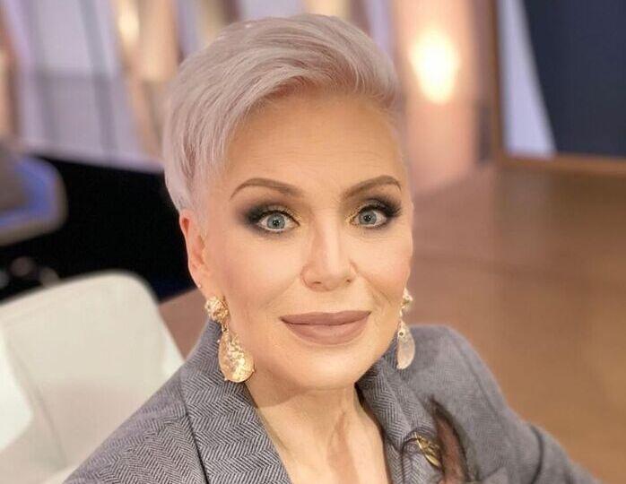 «Такая женщина всегда права»: 67-летняя Понаровская продемонстрировала утонченный вкус в одежде на новом фото