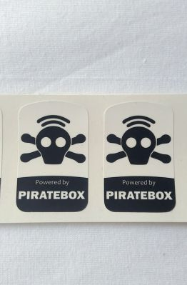 Stiker Badge Piratebox 1