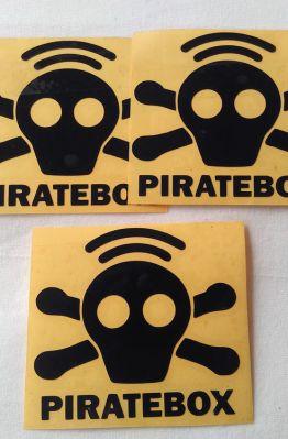 Stiker Cutting Piratebox 1
