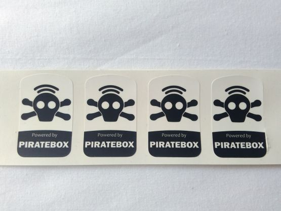 Stiker Badge Piratebox 2