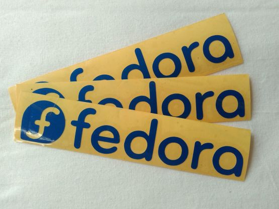 Stiker Cutting Fedora 2