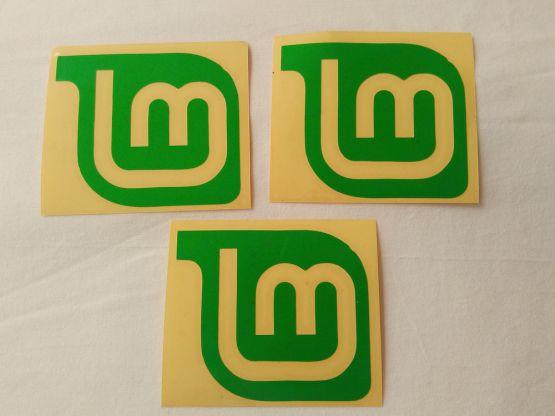 Stiker Cutting Linux Mint 2