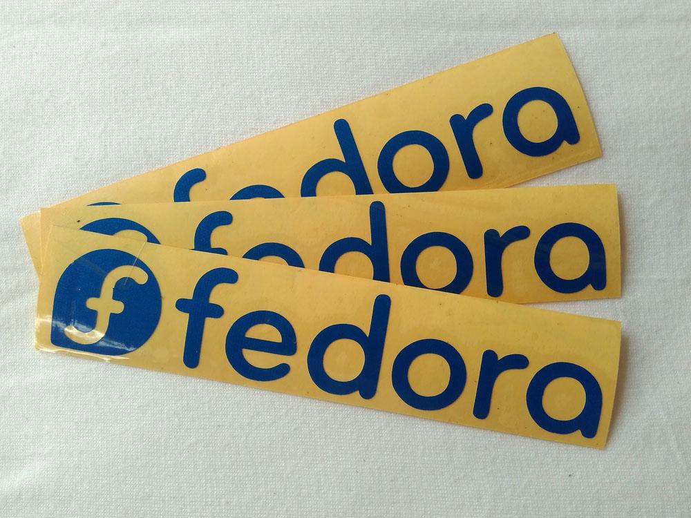 Stiker Cutting Fedora 1