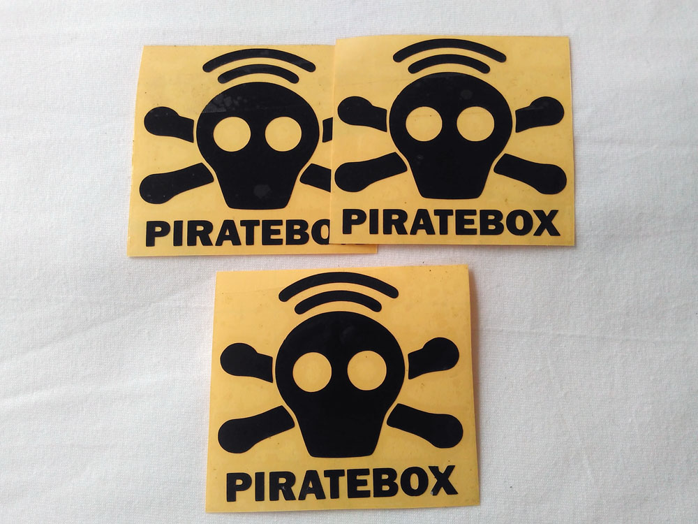 Stiker Cutting Piratebox 1