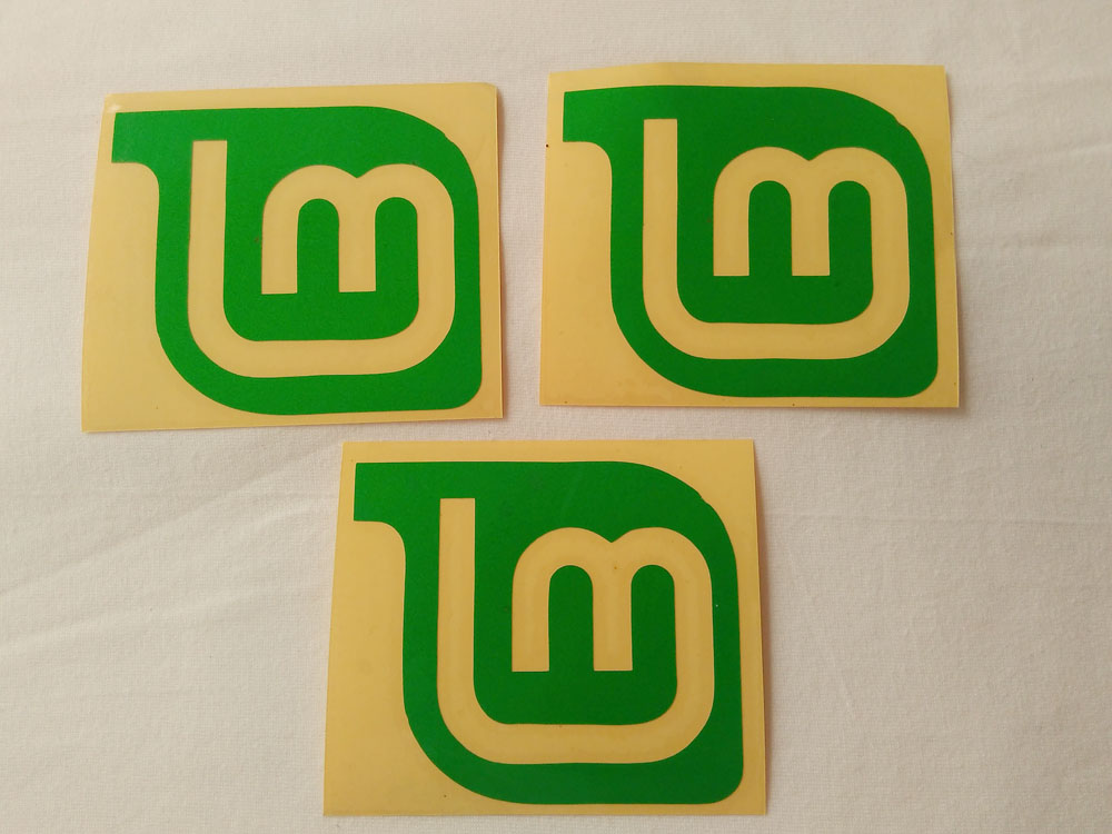 Stiker Cutting Linux Mint 1
