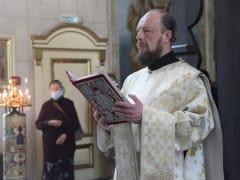 Митрополит Корнилий совершил Литургию и панихиду в Троицкую родительскую субботу