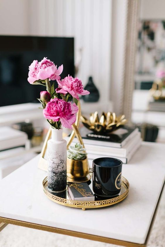12 tips to style the perfect coffee table