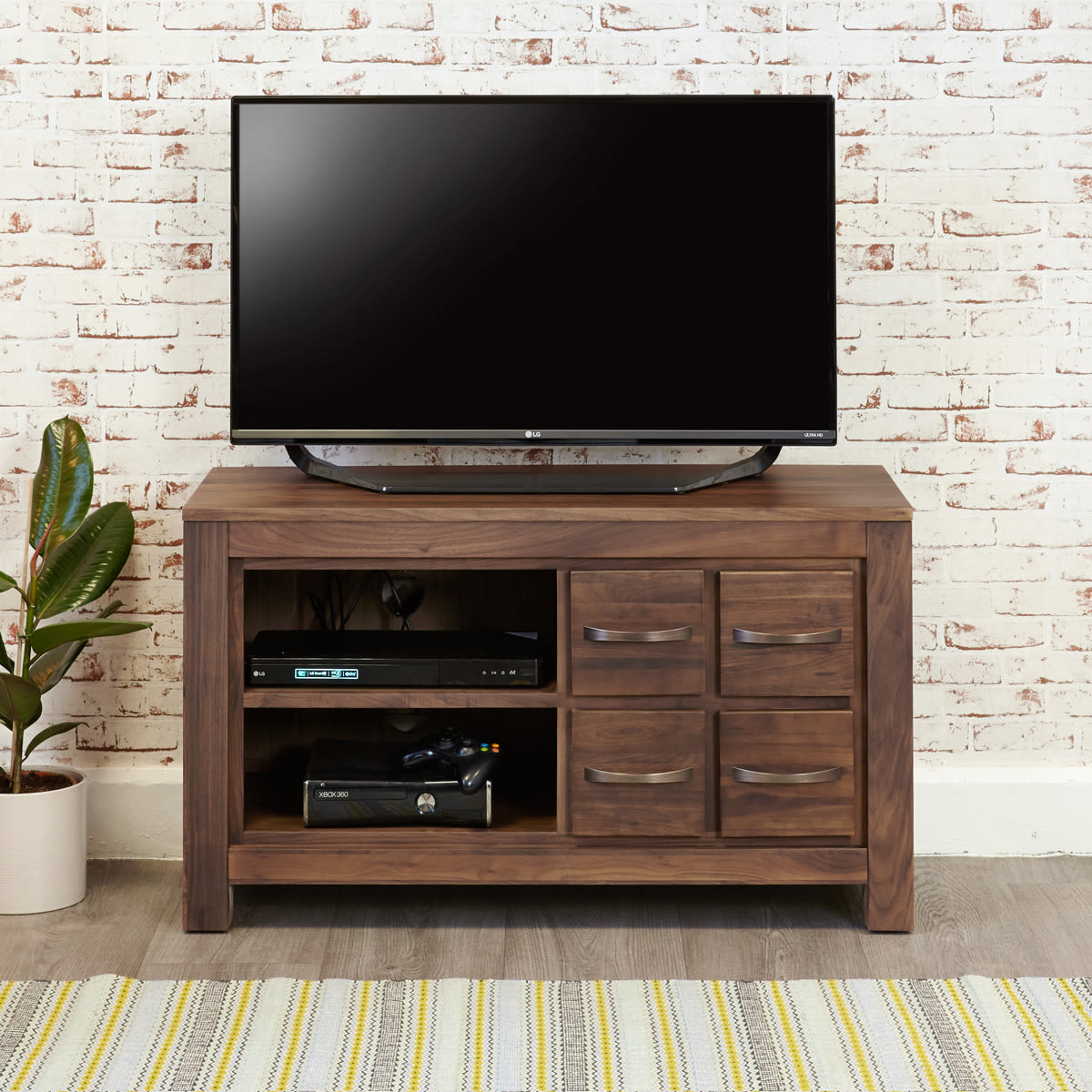 5 tips to help choose the perfect TV cabinet