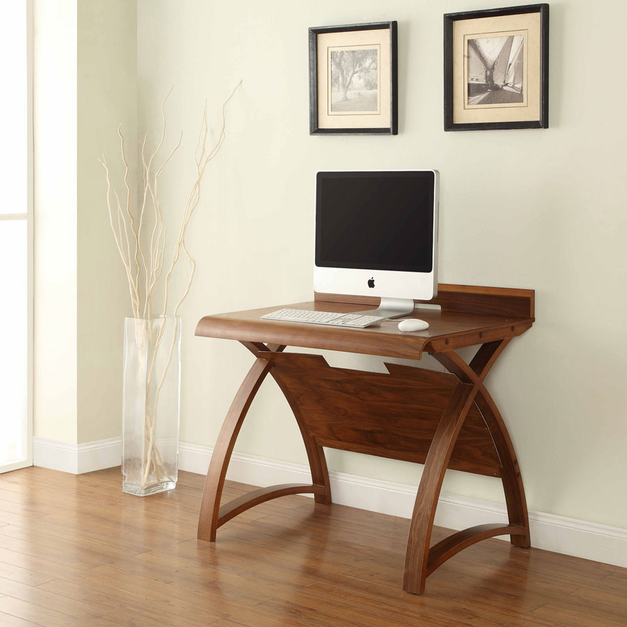 Curve Walnut table