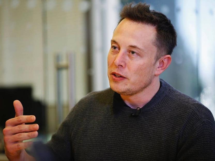 Илон Маск заявил о готовности драться с Джонни Деппом