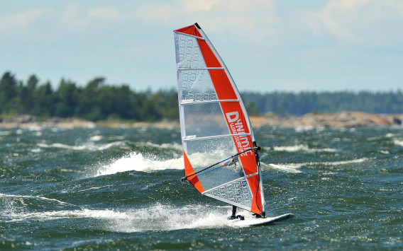 Dynamic Windsurfing Center