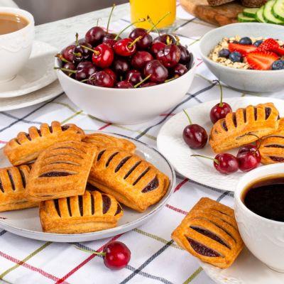 9794 mini cherry pastry 35g breakfast 1621619862