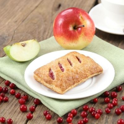 Apple lingonberry pastry 65g square 1582773917