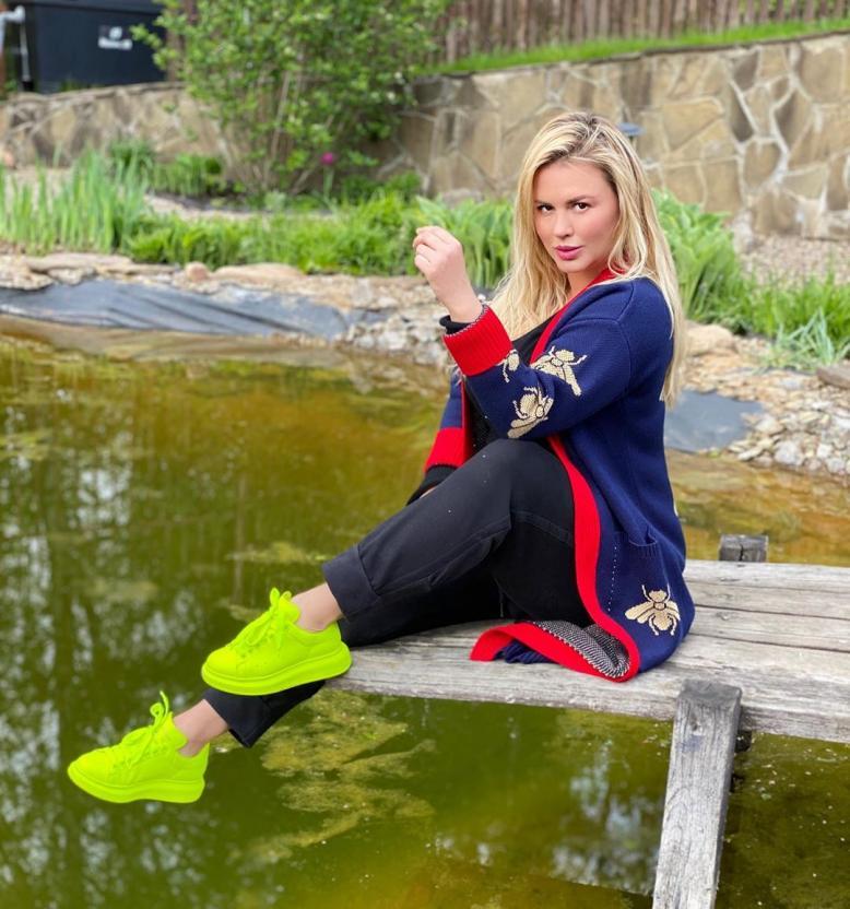 Анна Семенович решила похудеть с помощью оздоровительной клиники