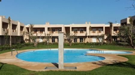 Très bel appartement avec piscine à Sidi Rahal
