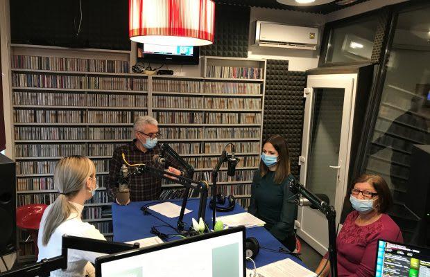 Tribina o udomiteljstvu za djecu na Radio Đakovo