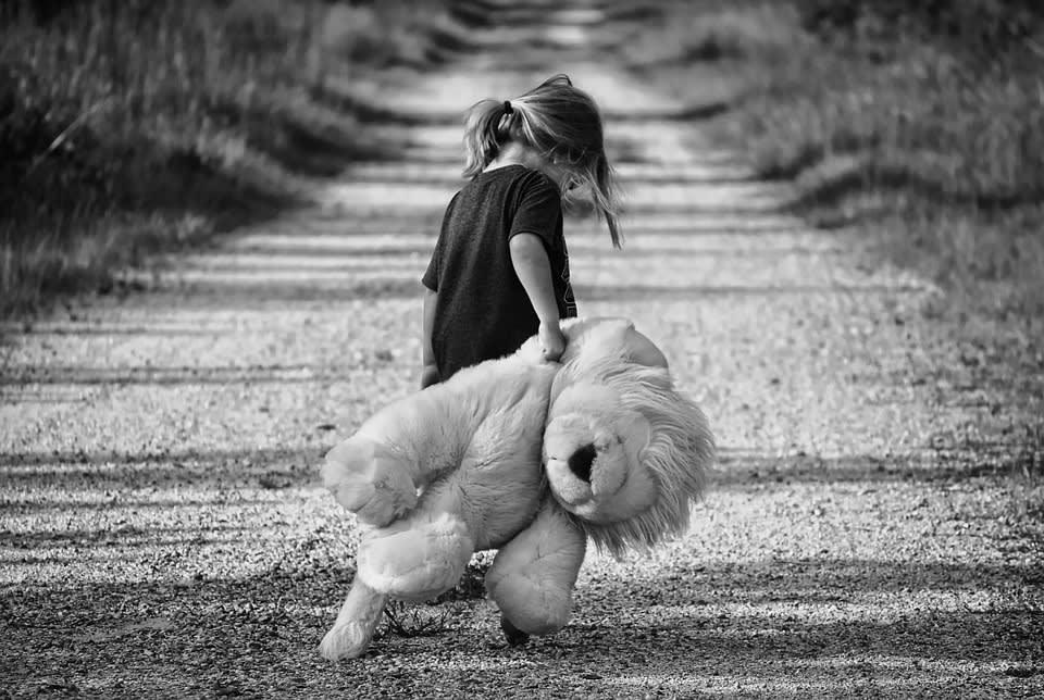 Tugovanje kod djece izdvojene iz obitelji