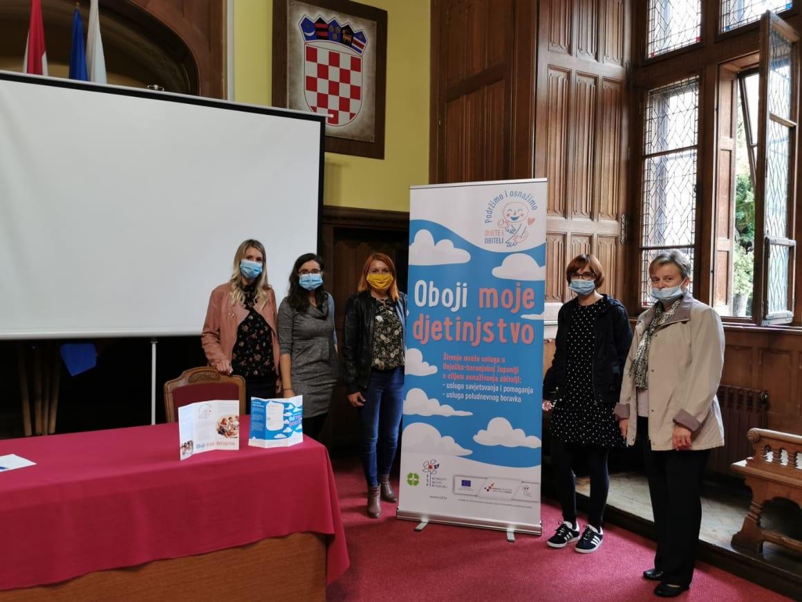 Održana tribina o udomiteljstvu u Donjem Miholjcu