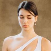 girl doing meditation