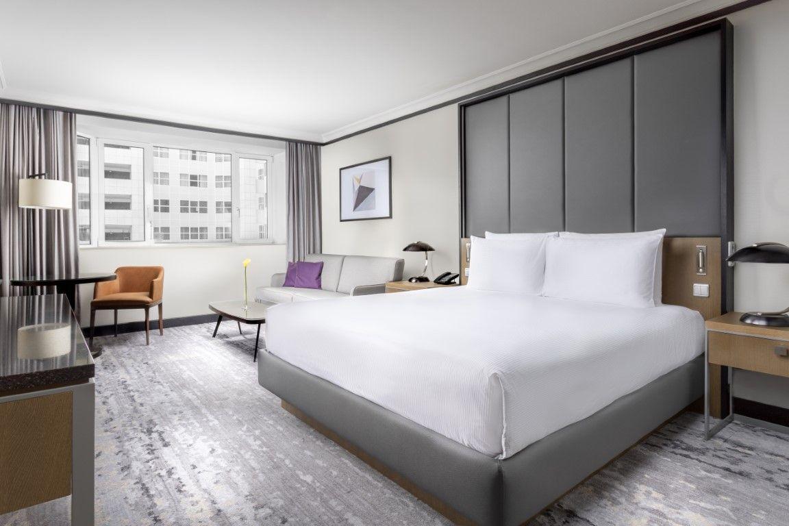 Pražské hotely Hilton lákají rodiny sdětmi na pobytové balíčky plné výhod