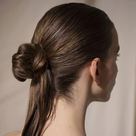 Wet Hair: Vier einfache Frisuren für den Sommer