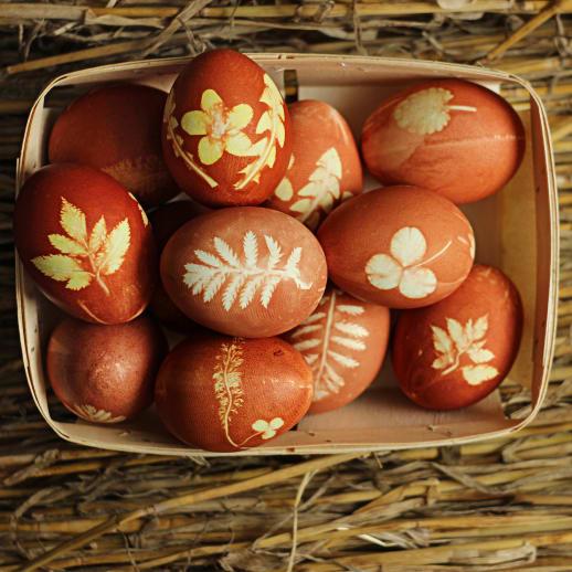 Natürlich Eier färben mit Zwiebelschalen