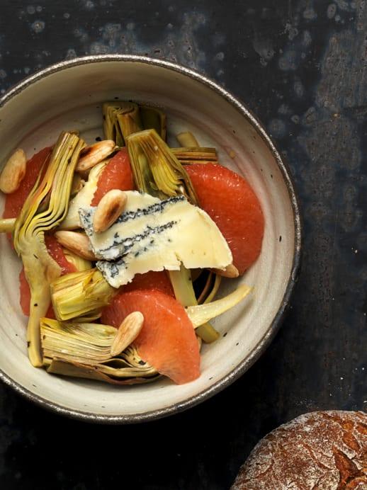 Rezept: Artischocken-Salat mit Grapefruit und Käse