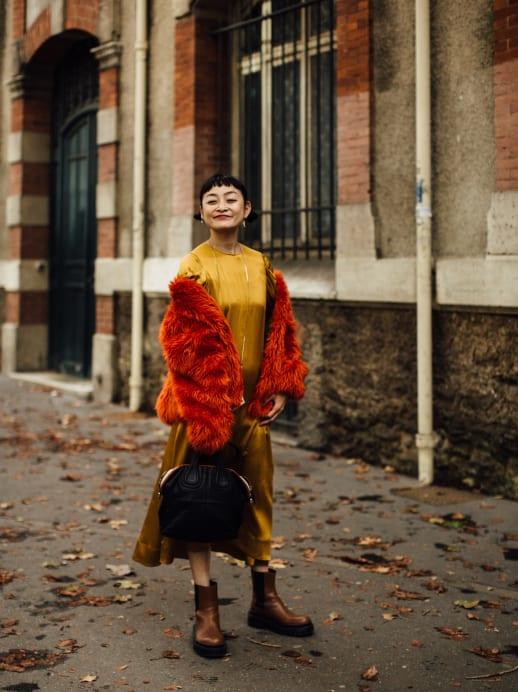 Blau machen und Berets tragen: 5 Street-Style-Trends aus Paris