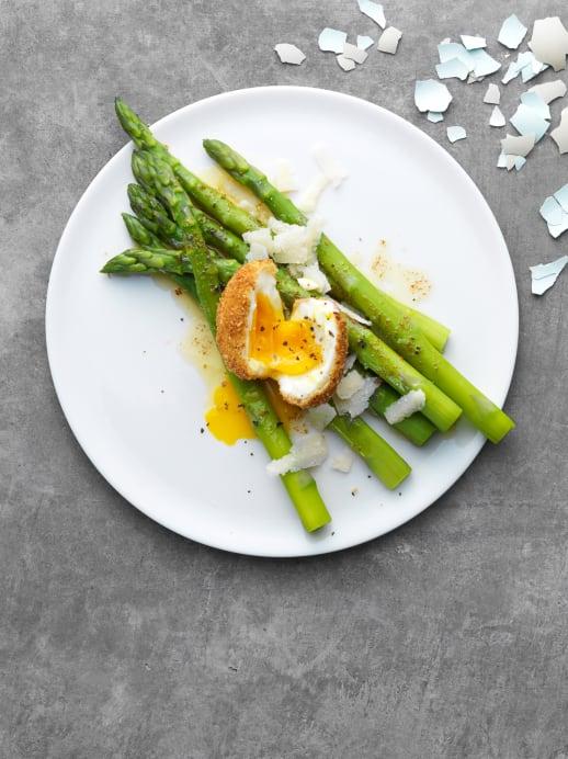 Oster-Rezept: Spargeln mit knusprigem Ei