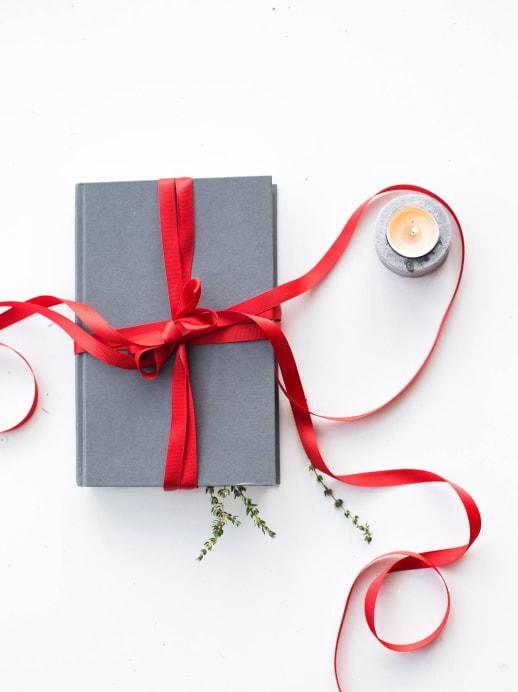 Diese Bücher verschenken wir im Dezember