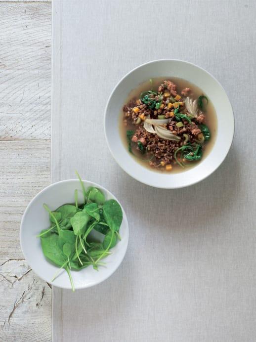 Reis-Linsen-Suppe mit Spinat