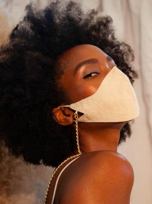 9 schicke Maskenketten, die uns die Coronazeit etwas verschönern können