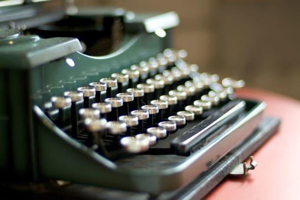 Der Glockenklang am Zeilenende – Eine Hommage an die Schreibmaschine