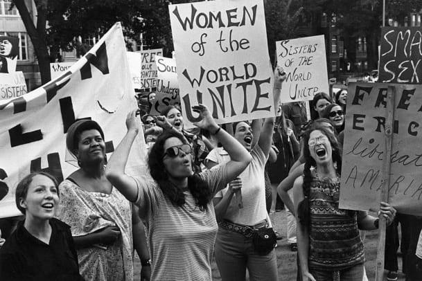 Marschieren für Frauenrechte