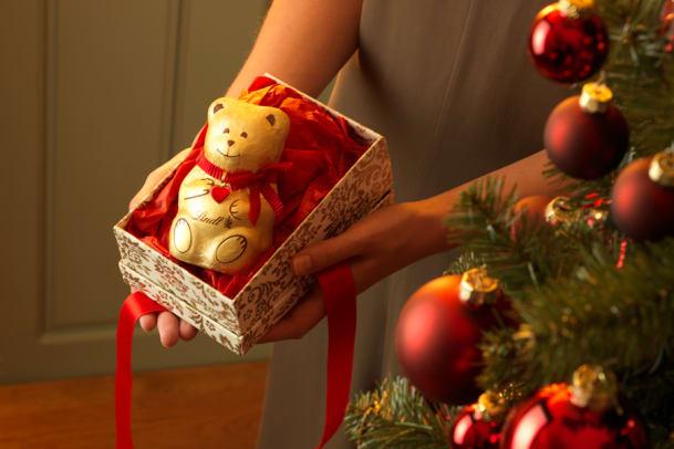 Süss, süsser, Schoggi-Bär: Der Lindt Teddy als Weihnachtsbote