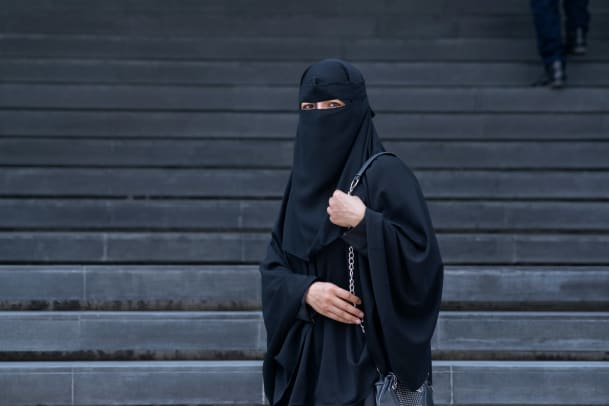 Einordnung: Sind Burka und Nikab frauenfeindlich?