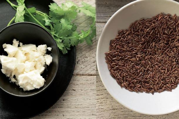 Reisbeilagen: Fried Rice und gefüllte Tomaten