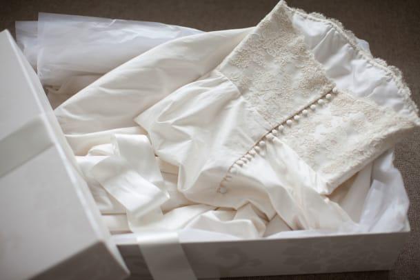 Das Brautkleid aus dem Netz