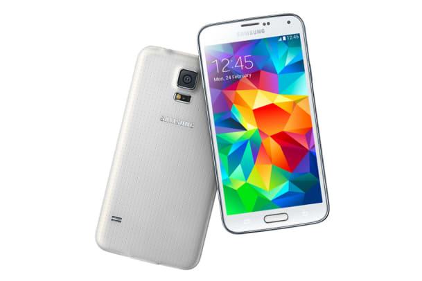 Sportlich unterwegs: Das Samsung Galaxy S5 und die Armbanduhr Gear Fit im Test