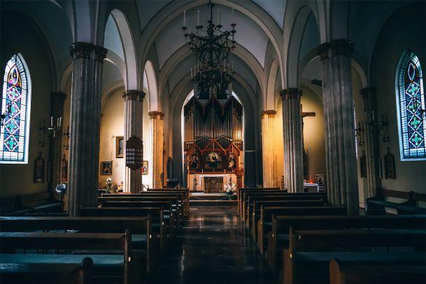 Wie ist es eigentlich, einen katholischen Pfarrer zu lieben?