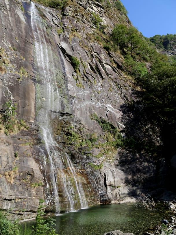 Sex unter einem Wasserfall