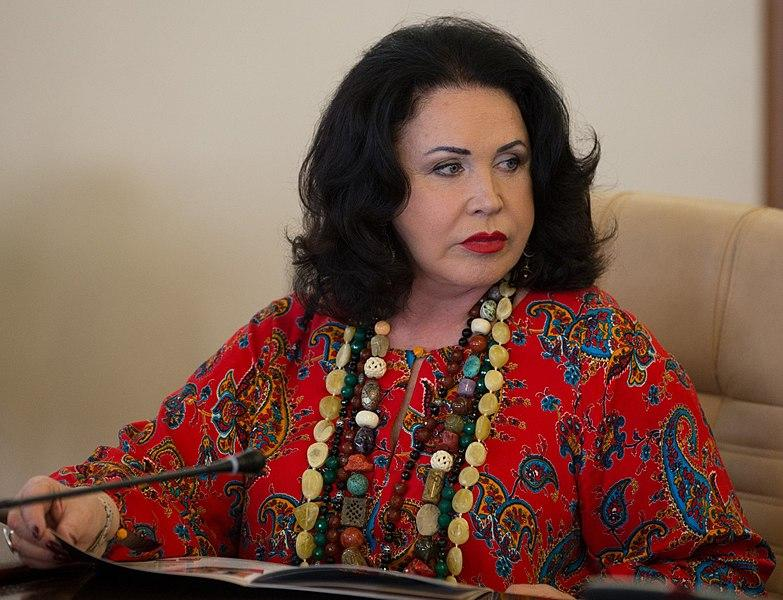 Елена Малышева рассказала о серьезной ситуации с Надеждой Бабкиной и призвала надеяться на лучшее
